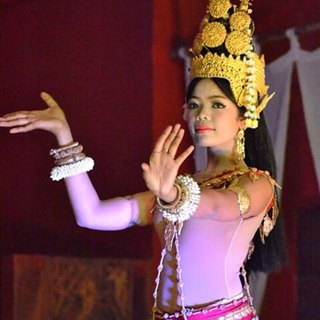 Cambodia Siem Reap dancer