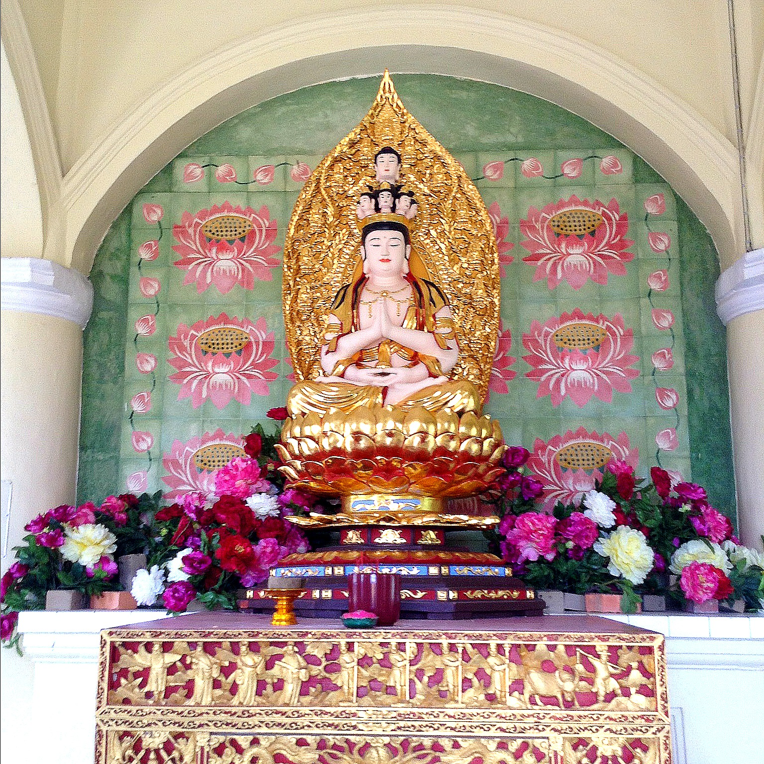 shrine at Kek Lok Si Temple