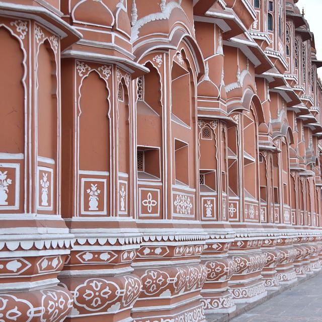 sandstone wall of Hawa Mahal in Jaipur