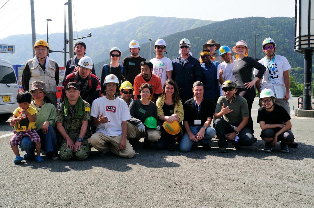 group shot of volunteers in kumamoto
