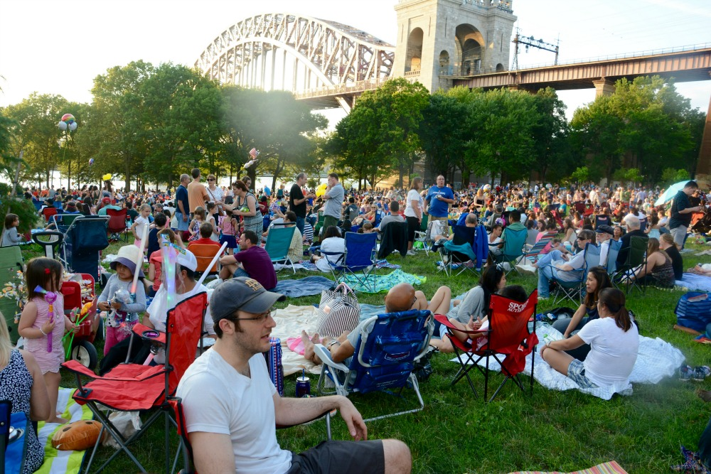 Crowd of people in Astoria park on July 4 weekend