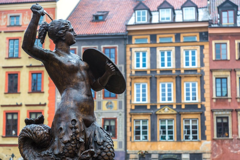 mermaid statue in Warsaw