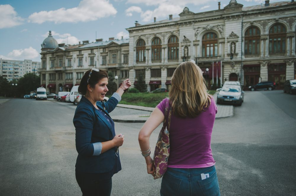 tour guide and traveller in Bucharest