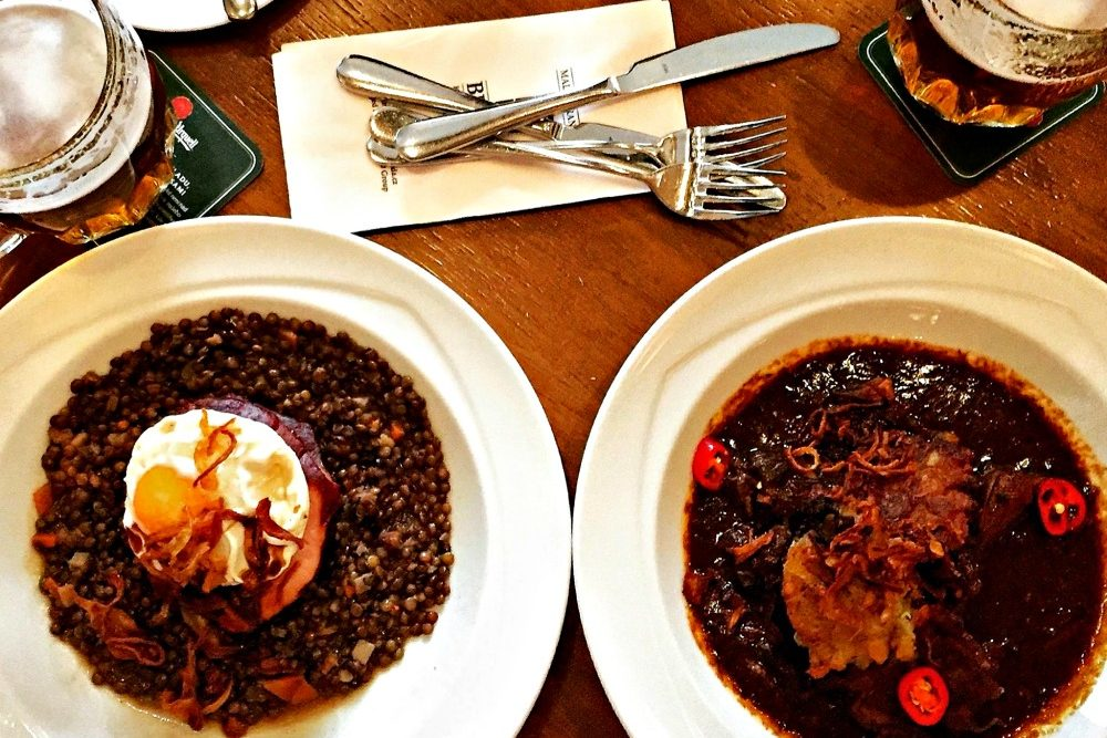 Sweet and sour lentils and guláš