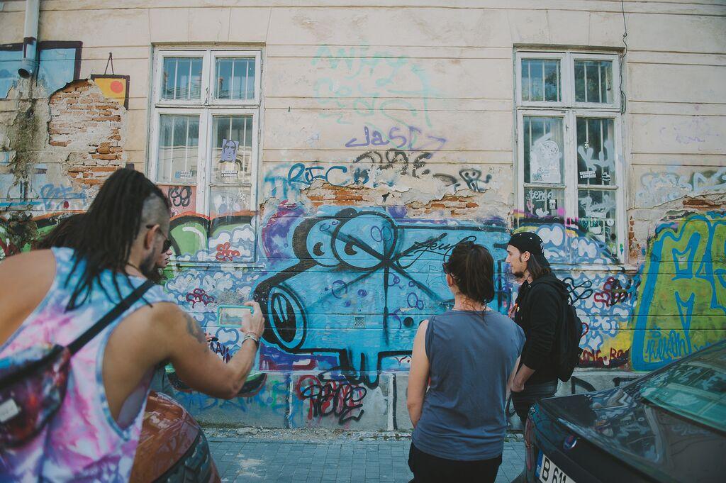 Bucharest street art tour