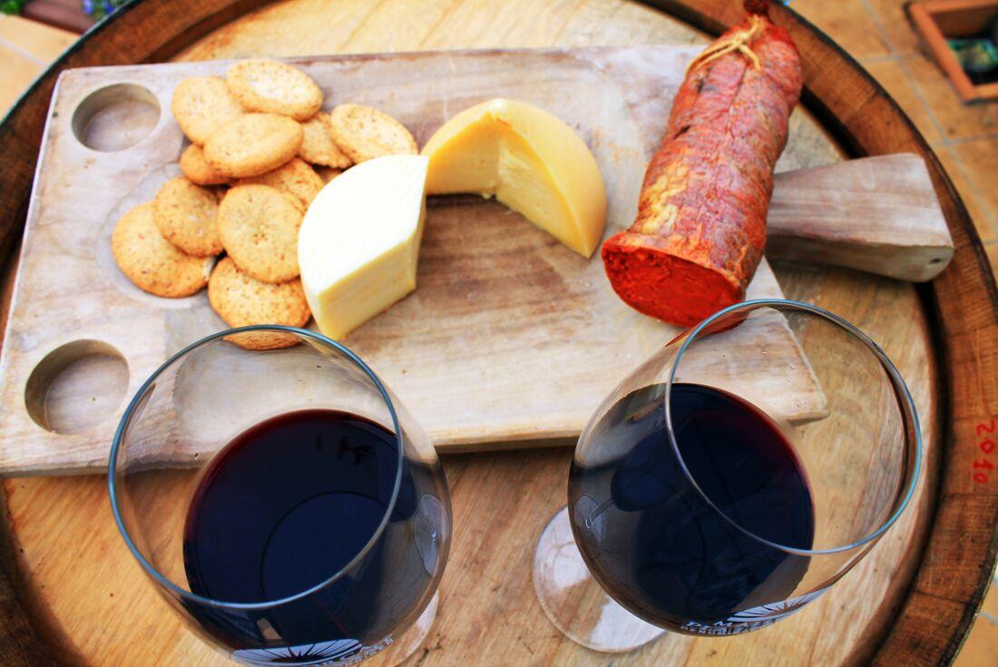 Wine and cheese Mallora