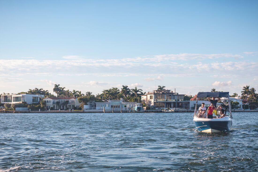Miami boat tour Urban Adventures